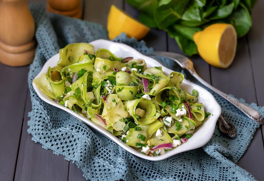 Salade de ruban de courgette avec Janine