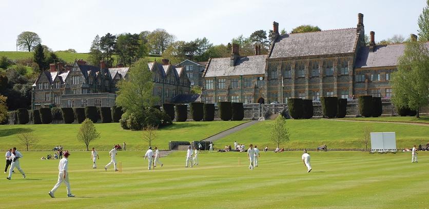 My English School Education Bilingue - Crickets Universite en Grande Bretagne